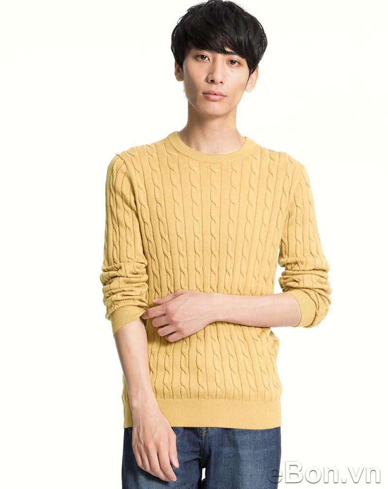 Còn đây là mẫu áo len của Uniqlo