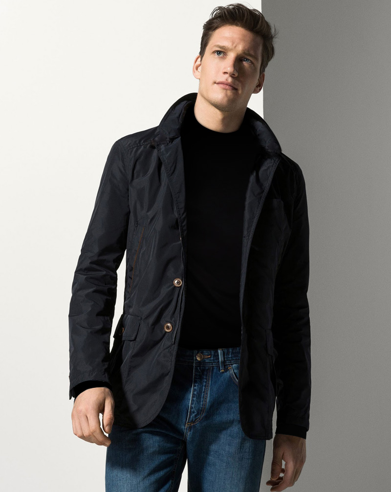 Áo khoác Massimo Dutti với thiết kế đẹp.
