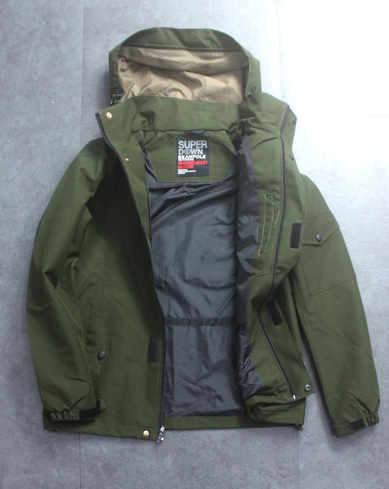 Một mẫu áo khoác xuất khẩu của Beanpole
